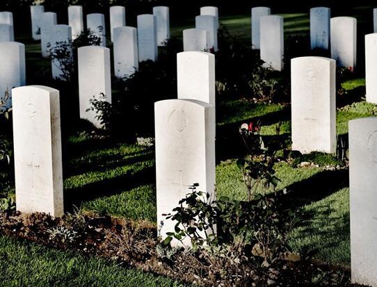自然环境中哪些事物对墓地风水有利?