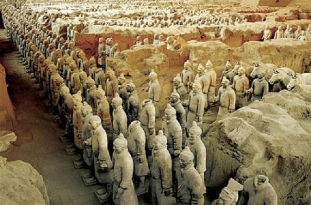规模庞大的秦始皇陵,为何选在骊山修建,难道这是风水宝地?